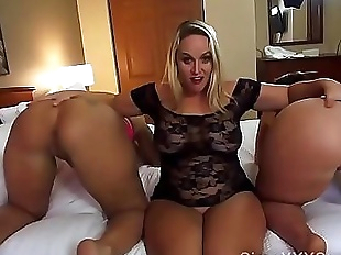 Three PAWGS Squirting 1 min 30 sec HD