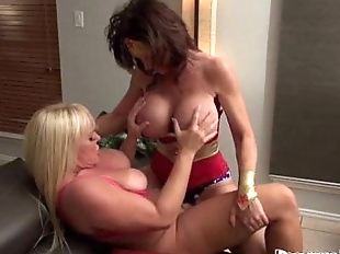 Cosplay Milfs DeauxmaLive & Alexis Fuck with..