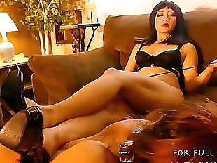 Watch Teen Slave Eat Mistress Zeldas Pussy Until..