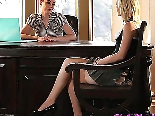 Young lesbian babe eats pussy for a jobHD